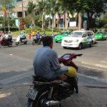 ホーチミンでバイクタクシー(セオム)を利用する場合